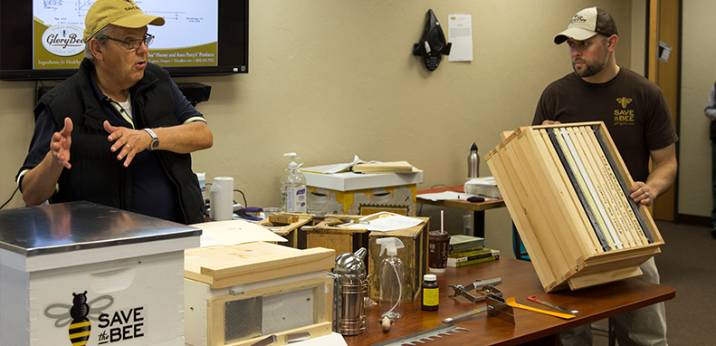 Become a Beekeeper- Winter Beekeeping Classes at GloryBee